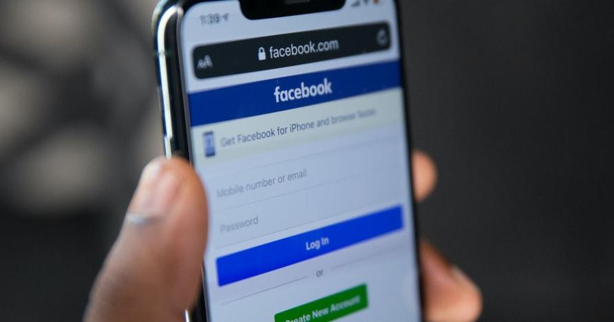 2021. aastal mängitavate meelelahutuslike Facebooki mängude loend